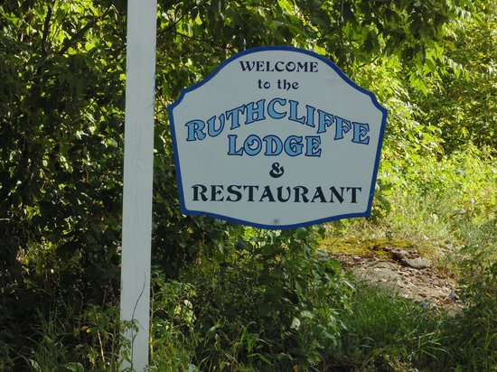 Ruthcliffe Lodge : Sign