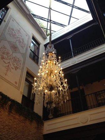 Hotel Casa 1800 Sevilla: Beautiful atrium!