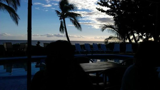 Hotel Molokai : Sunset Poolside