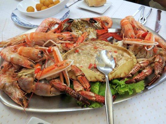 Casa Gallega : Poached Seafood Platter