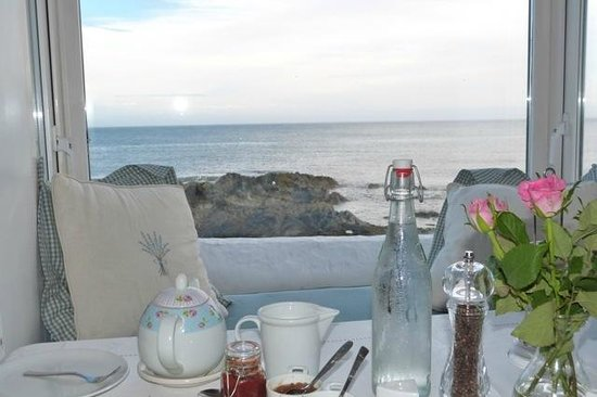 The White Cottages: Breakfast tranquility