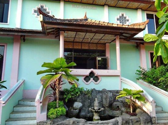 Villa Puri Royan : Вход в отель