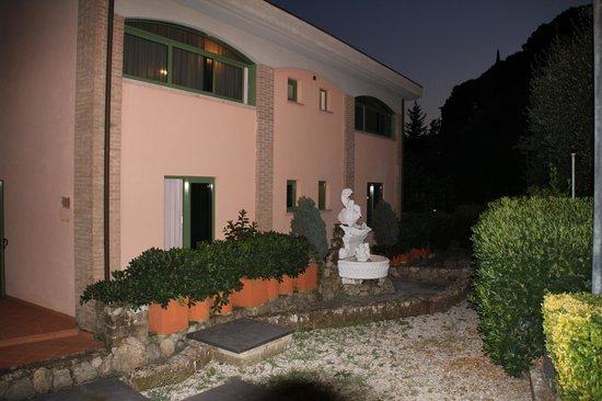 Albergo Santa Barbara: Отель