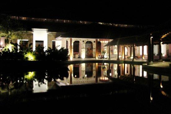 Iberostar Praia do Forte: Hotel à noite