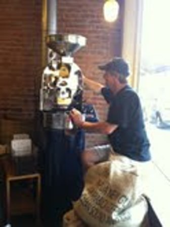 Boston Bean Cafe : Green beans are roasted on site offering you the freshest roasted coffee available.  Choose a si