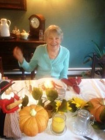 Above the Bay at Thornton Adams Bed and Breakfast : Candle in Breakfst --Mom's 91st Birthday