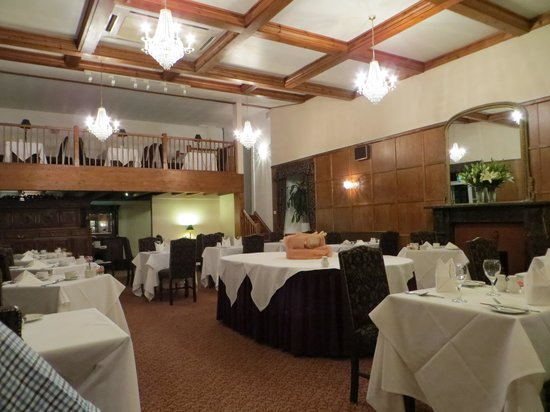 The Royal Lion Hotel: Oak Room Restaurant