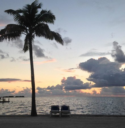 La Siesta Resort & Marina: Two empty chairs ready for sunrise-watching at La Siesta