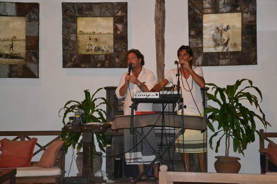 Blue Bay Village: Serata musicale