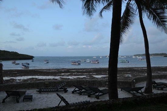 Blue Bay Village: Spiaggia al tramonto