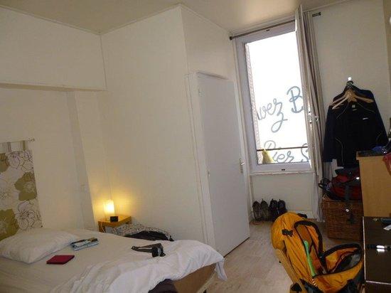 "Hotel des Poetes : Our ""spacious"" bedroom"