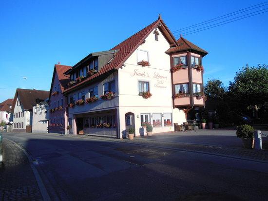 Jauch's Loewen