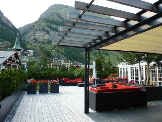 Hotel La Couronne : Lounge/terrasse