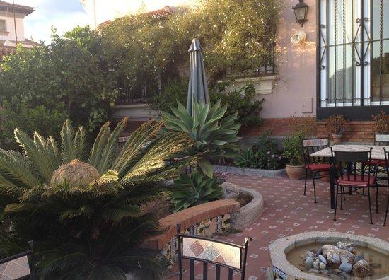 Hotel Monte Victoria: Gartenanlage