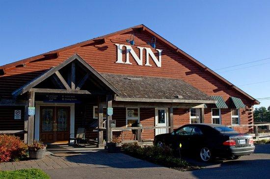 Bras d'Or Lakes Inn: Front