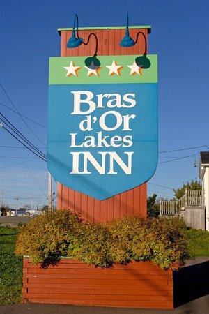 Bras d'Or Lakes Inn: Street Sign