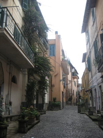 Villa Savoia: little marino