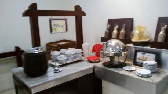 Tiara Medan Hotel & Convention Center: Sarapan Pagi Menu Indonesia Saja