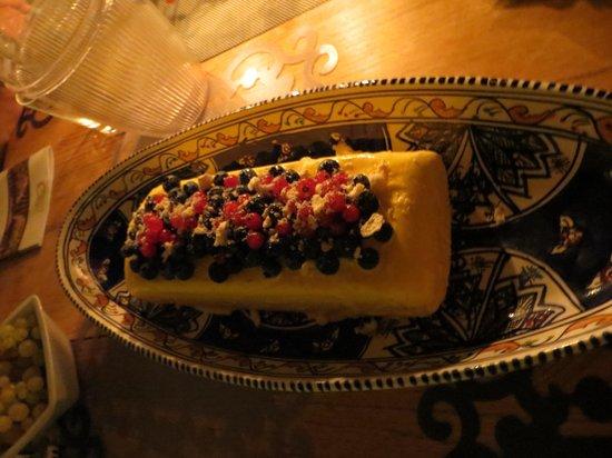 Trustevertastes : Lemon Gelato and Fresh berries