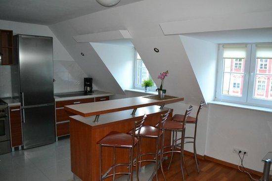 Absynt Hostel: Kitchen
