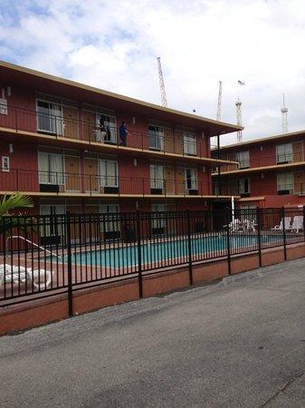 Heart of I-Drive: Peça um apartamento próximo à piscina