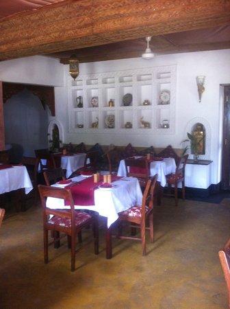 DoubleTree by Hilton Dar es Salaam-Oysterbay: Hotel restaurant