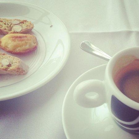 Due Cuochi Cucina Shopping Cidade Jardim: Café com mimos doces