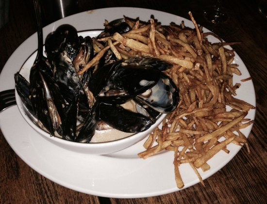 Bistro 7 1-4: Moules et Frites (tequila cream with jalapeño, lime & cumin)