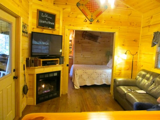 Cabins of Asheville: Room with closing/sliding doors.