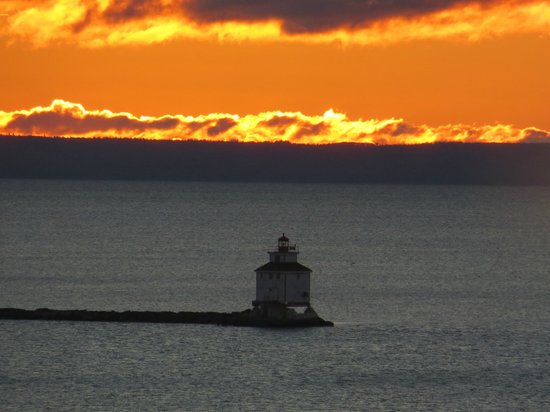 Prince Arthur Waterfront Hotel & Suites: October sunrise with lighthouse taken from room