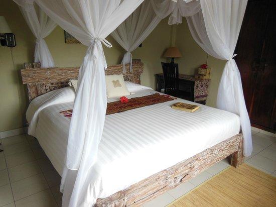 Subak Tabola Villa : Chambre