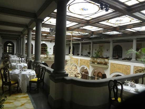 The St. Regis Florence: Breakfast room - very nice breakfast & staff