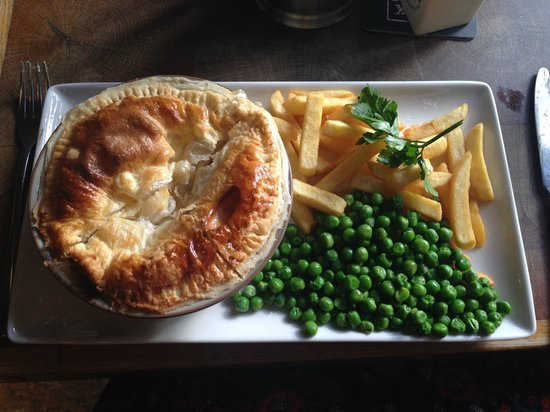 Dick Hudson S Chicken Pulled Ham And Leek Pie
