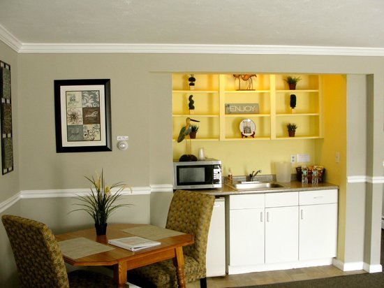Nantasket Hotel at the Beach: kitchenette in every room