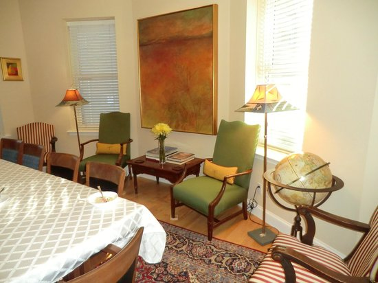 Woodley Park Guest House: In the dining room