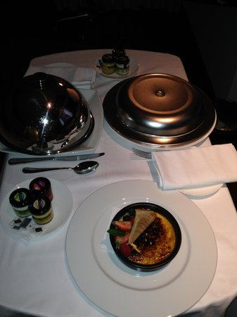 Hilton Madrid Airport : Room service/ dinner