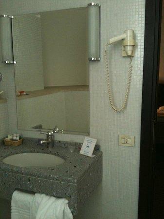 Hotel Grand Italia Residenza d'Epoca: Part of bathroom
