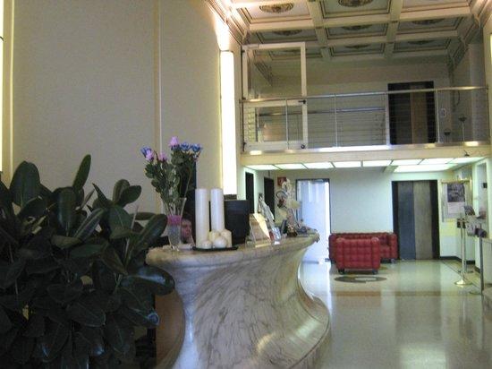 Hotel Grand Italia Residenza d'Epoca: Hotel Grand'Italia Reception desk