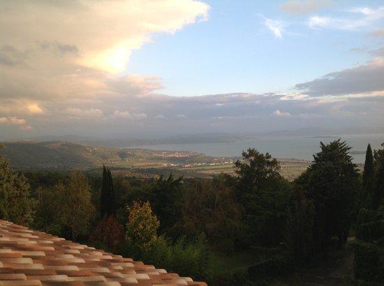 Villa Sensi : View to the lake