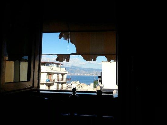 Villa Anna : Из окна номера открывается отличный вид на Сицилию