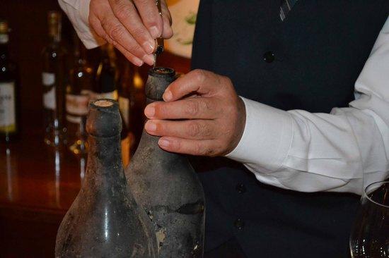 Hotel SantaMaria - Centro Congressi - Wellness : Hotel SantaMaria - Weindegustation beim Abendessen