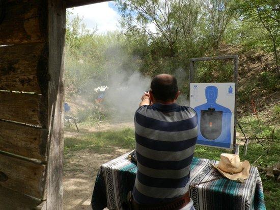 San Antonio Western Shooting: Card game shoot out