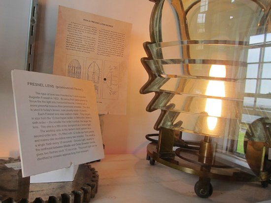 Little Brewster Island and Lighthouse : Information on the light