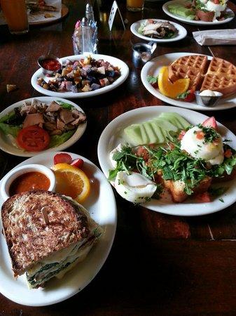 Urth Caffe: Full breakfast