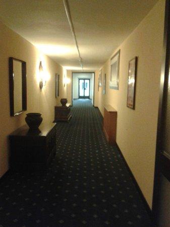 Hotel Roger de Flor Palace: pasillos