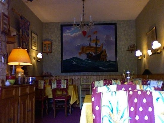 Le Chalet Hotel : la salle du petit déjeuner