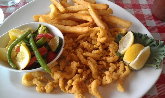 Lobster Pot Restaurant: fried clams with salty veggies