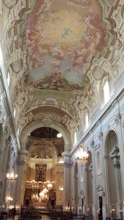 Santa Maria del Carmine : nave