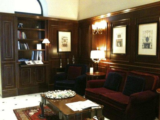 Hotel Firenze e Continentale La Spezia: Lobby area