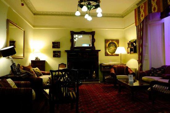 The Orestone Manor: Lounge Bar in Hotel